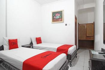 RedDoorz Plus @ Taman Siswa 3 Yogyakarta - RedDoorz Twin with Breakfast Regular Plan