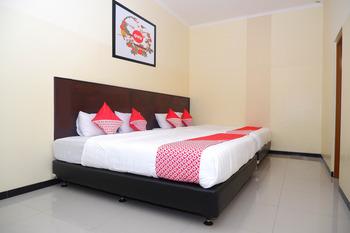 OYO 856 Hotel Pelangi Indah Semarang - Suite Family Regular Plan