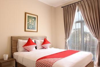 OYO 130 MBC Residence Jakarta - Deluxe Room Pegi Pegi special promotion