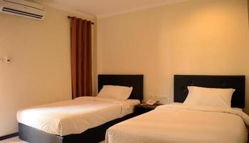 Mirabell Hotel & Convention Hall Malang - Superior Room Promo Happy