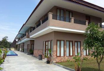 Bumi Gumati Convention Resort Hotel
