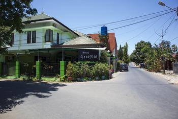 OYO 1682 Greenia Hotel Kupang - Standard Twin Room Last Minute