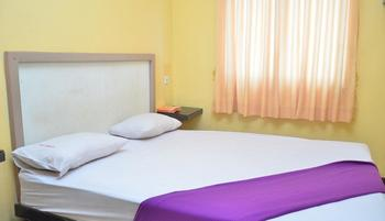 Homestay 115 Siak Pekanbaru - Deluxe Room Regular Plan