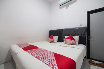 OYO 3729 Cattail Guest House Pontianak - Standard Twin Room Promotion