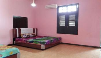 Dahlia Asri Homestay And Guest House Purwakarta - Dahlia 1 AC Regular Plan