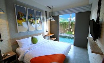 FRii Bali Echo Beach Bali - Deluxe Pool Access TGIF - 40%
