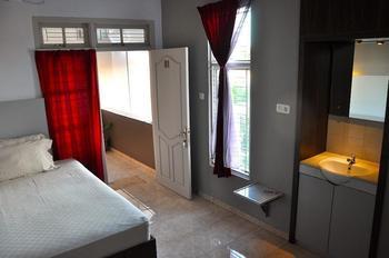 Wisma Delima Bandar Lampung - Deluxe Room (Kamar Mandi Dalam) Regular Plan