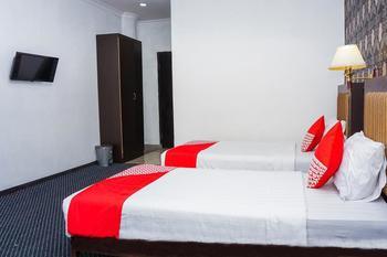 OYO 403 Flaminggo Halal Padang Panjang - Deluxe Twin Room Regular Plan