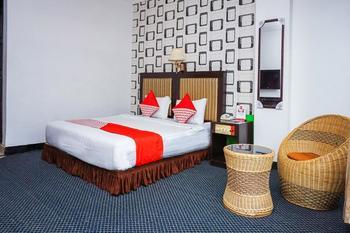 OYO 403 Flaminggo Halal Padang Panjang - Suite Double Room Regular Plan