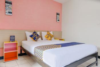 SPOT ON 2999 Hotel Arizon Magetan - SPOT ON Double Regular Plan