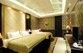 Liz Palace Inn Bandung - Family Deluxe Room Regular Plan