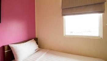 RedDoorz Near Kota Tua Jakarta - Reddoorz Room Room Only