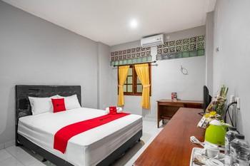 RedDoorz Syariah near Puri Agung Denpasar Bali - RedDoorz Room Regular Plan