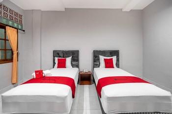 RedDoorz Syariah near Puri Agung Denpasar Bali - RedDoorz Twin Room Regular Plan