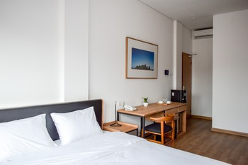Rumanami Residence Jakarta - Executive A Room Non Smoking PROMO PDKT