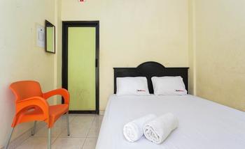 RedDoorz @ Ciracas Jakarta - RedDoorz Room Special Promo Gajian