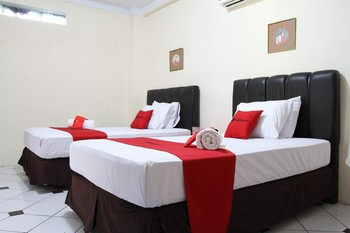 RedDoorz Plus @ Otista Garut Garut - RedDoorz Twin Room with Breakfast LM 5%