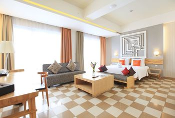 THE 101 Hotel Bogor - Executive Suite City With View Balcony Regular Plan
