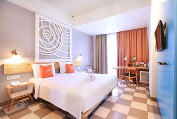THE 101 Hotel Bogor - Deluxe Pool View With Balcony Room Only      Regular Plan