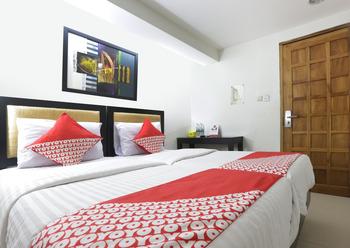 OYO 161 DC Hotel Utan Kayu Jakarta - Standard Twin  Room Regular Plan