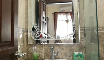 Grand Raggea Hotel Malang - Grand Deluxe Single Bed Regular Plan