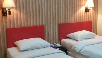 Queen City Hotel Banjarmasin - Standard Twin Room Only Regular Plan