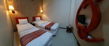 Queen City Hotel Banjarmasin - STANDARD TWIN ROOM ONLY - Flash Sale Flash Sale