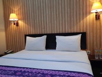 Queen City Hotel Banjarmasin - STANDARD KING ROOM ONLY - Flash Sale Flash Sale