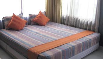 Orange Home Bandung - 2 Bedrooms Room Only Regular Plan