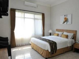 Magnolia Bed & Breakfast Bandung - Kamar Keluarga #WIDIH - Pegipegi Promotion