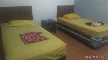 Hotel Wisma Teratai Mas Rokan Hilir - Superior Room 2 Regular Plan