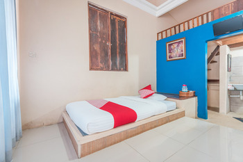 OYO 243 The Village Bumi Kedamaian Bogor - Standard Twin Room Regular Plan