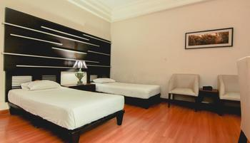 D'Cokro Hotel & Resto