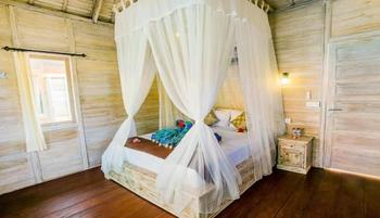 Secret Point Hut Bali - Bungalow Room with Pool View Regular Plan