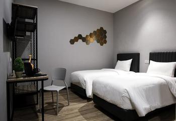 Rajawali Homestay Palembang - Twin Room Only Regular Plan