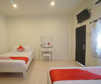 OYO 967 Cajoma Guesthouse Manggarai Barat - Suite Family Regular Plan