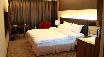 Grand Central Hotel Pekanbaru - Deluxe kingsize bed include breakfast Regular Plan