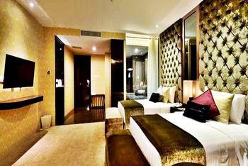 Amaroossa  Grande Bekasi - Executive Room With Breakfast Regular Plan