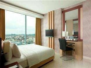 Hotel Santika TMII Jakarta - Deluxe Room King Staycation Offer Room Only Regular Plan