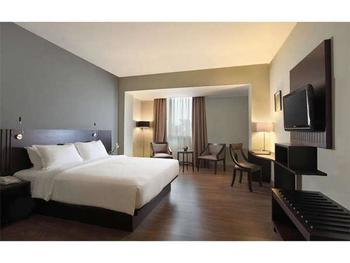 Hotel Santika TMII Jakarta - Superior Room Twin with Terrace Offer 2020 Last Minute Deal 2020