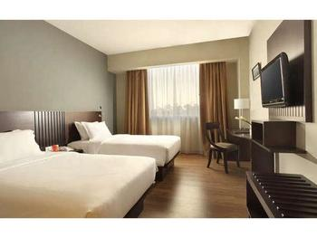 Hotel Santika TMII Jakarta - Superior Room Twin with Terrace Staycation Offer Regular Plan