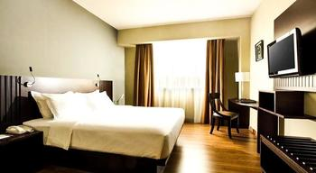 Hotel Santika TMII Jakarta Jakarta - Superior Room King Staycation offer  Regular Plan