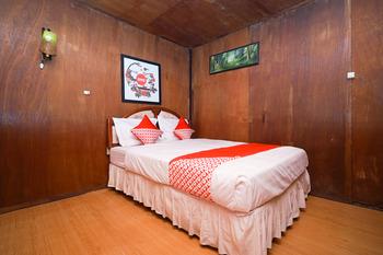 OYO 903 Kampoeng Kita Hotel Probolinggo - Standard Double Room  Regular Plan