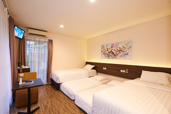 D Agape Residence Puncak - Superior Quadruple Room Only Regular Plan