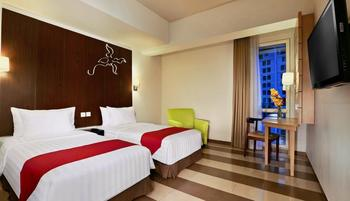 Atria Hotel Gading Serpong Tangerang - Superior Twin Room With Breakfast Regular Plan