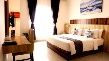 Vega Hotel Sorong Sorong - Deluxe King Regular Plan