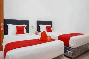 RedDoorz @ Jalan Danau Limboto Malang - RedDoorz Twin Room Last Minute Deal