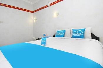 Airy Gajahmada 122 Semarang - Standard Double Room with Breakfast Special Promo Nov 45