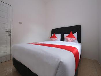 OYO 2551 Dewi Residence 2 Pangkalpinang - Deluxe Double Room Regular Plan