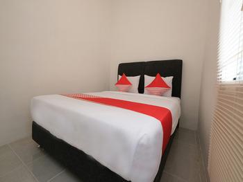 OYO 2551 Dewi Residence 2 Pangkalpinang - Deluxe Family Room Regular Plan